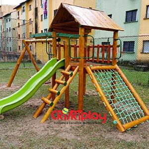 Playground de Tronco de Eucalipto